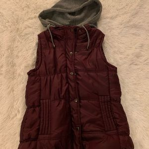S maroon vest with removable hood